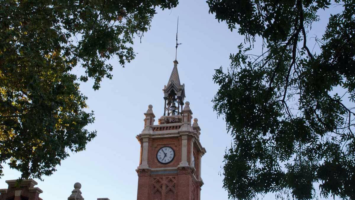 Roban un ordenador de la casa del reloj madridiario - Oficinas de atencion a la ciudadania linea madrid ...