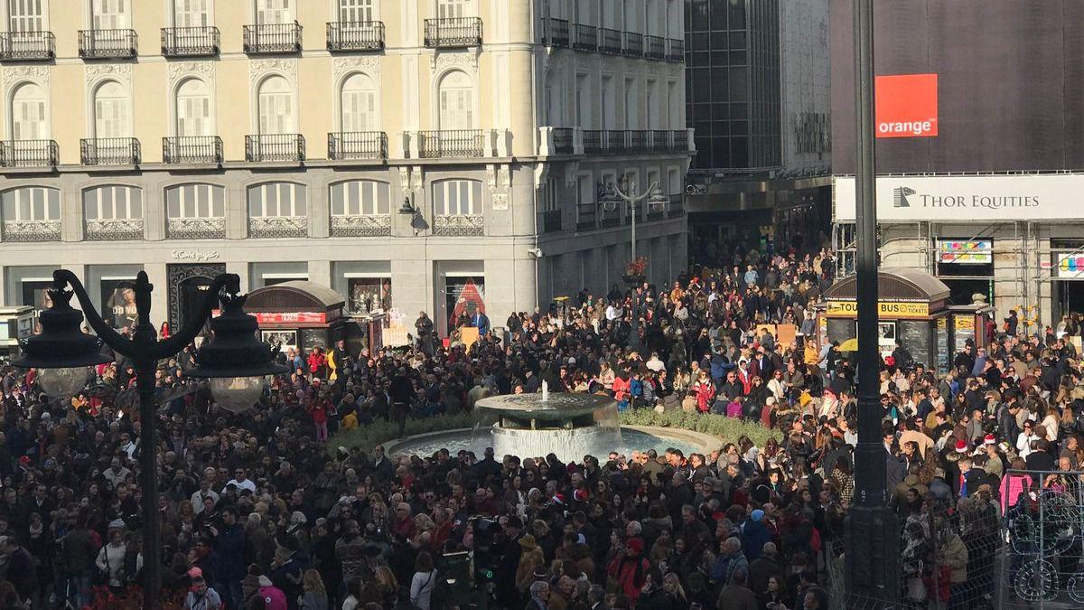 Uvas en el cumplea os del reloj de sol madridiario for Puerta del sol uvas