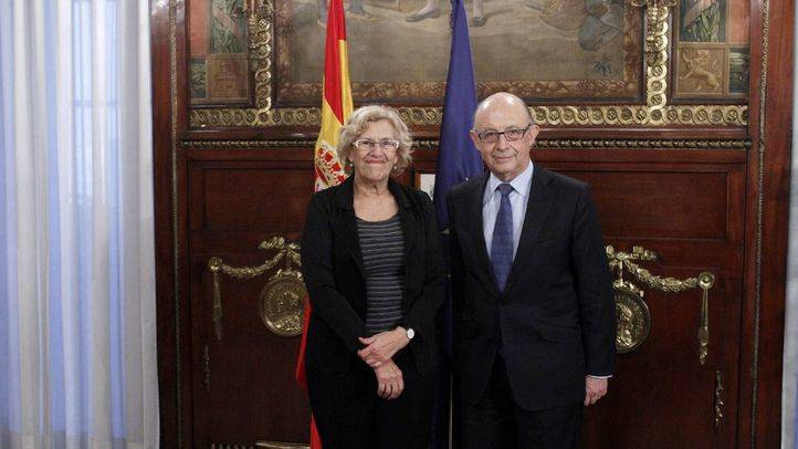 Reunión entre Manuela Carmena y Cristobal Montoro