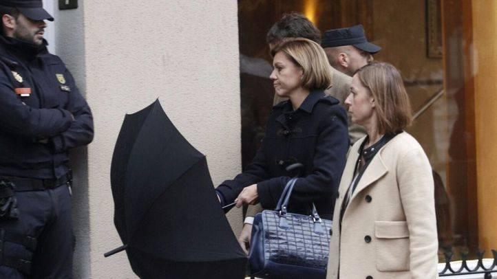 Cospedal acude al hotel Villa Real por la muerte de Barberá