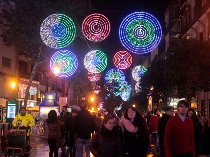 Madrid enciende sus luces navideñas este jueves