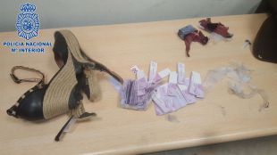 'Pillada' cuando llevaba a Colombia 200.000 euros escondidos en los tacones