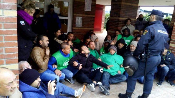 Protesta para evitar el desahucio de la familia de Parla