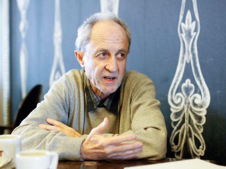 Carlos Corral.