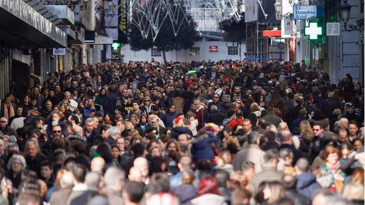 La calle Preciados, atestada de gente el día de la Constitución.