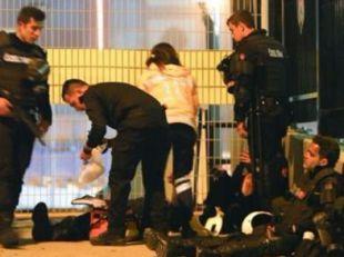 Al menos 38 muertos y 155 heridos tras un doble atentado junto a un estadio de Estambul