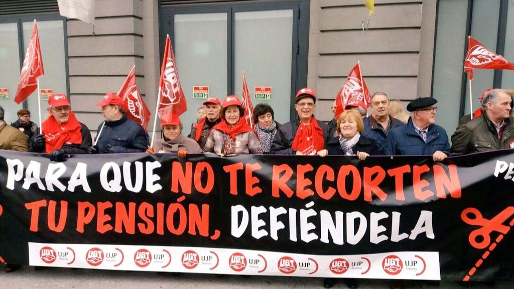 Decenas de jubilados se concentran ante el congreso para exigir la revalorizaci n de las - Actualizacion pension alimentos ipc ...