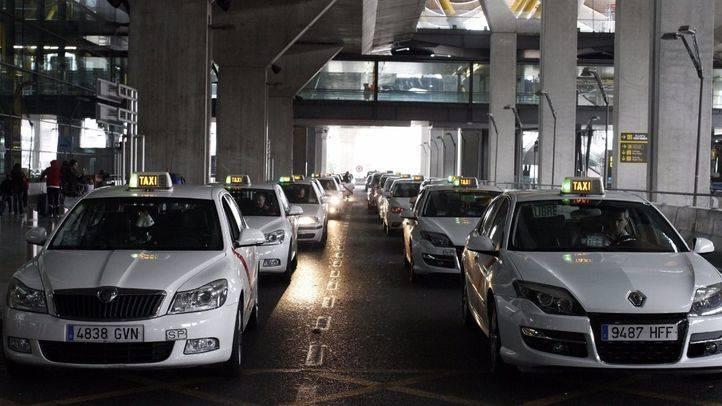 Parada de taxis en el Aeropuerto Adolfo Suárez Madrid-Barajas.