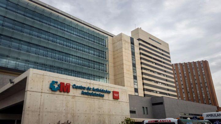 Trabajadores de la Sanidad pública convocan un encierro en el Doce de Octubre