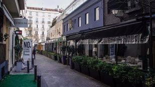 Terrazas cerradas de los restaurantes del callejón de Puigcerdá. (Archivo)