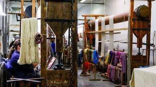 Una resucitada Fábrica de Tapices continuará tejiendo la historia de España
