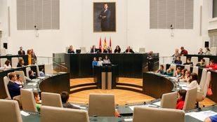 Madrid corrige la polémica resolución sobre la ordenación de los plenos