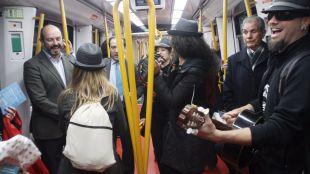 El 'Tren de la Navidad' circula por la línea 6 de Metro hasta el día 6 de enero