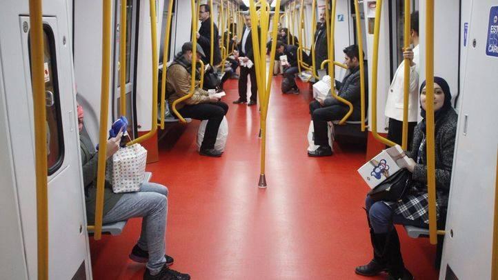Vagón de Metro desde dentro