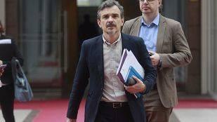 Podemos debate el cese de López con la ausencia de Ramón Espinar
