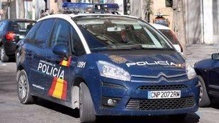 Coche patrulla de la policia nacional