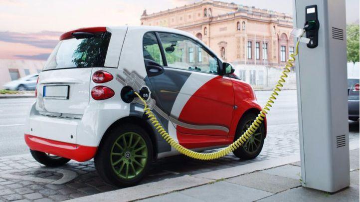 Las ventas de vehículos híbridos y eléctricos se duplican en Madrid durante 2016