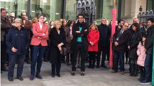 Concentración a las puertas del consistorio de repulsa contra la violencia machista