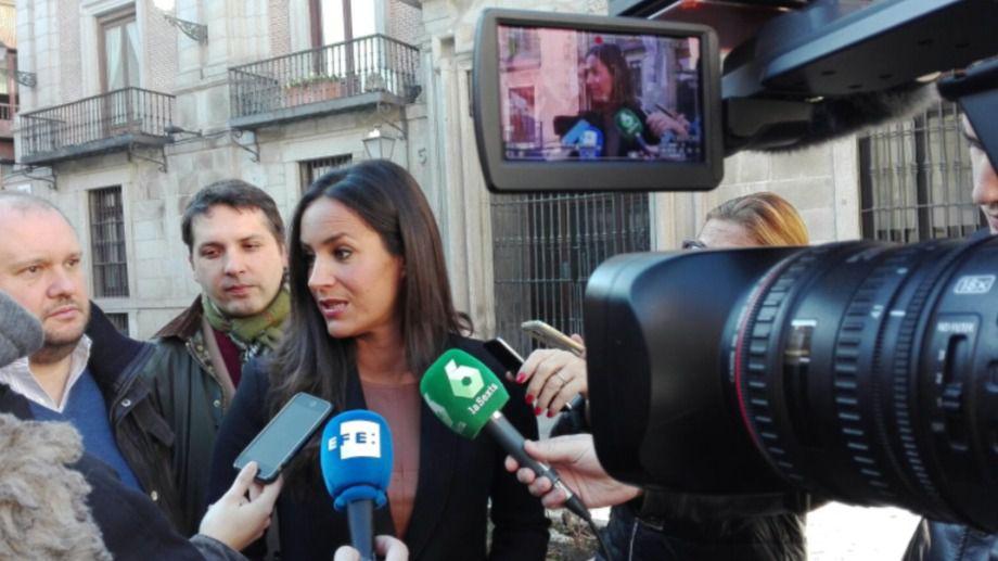 Villacís acusa al PSOE de ser