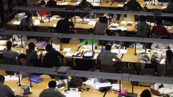 Doce bibliotecas regionales amplían su horario para facilitar la preparación de exámenes