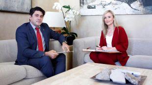 Cristina Cifuentes y David Pérez en la Real Casa de Correos (archivo)