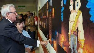 El consejero de Sanidad de la Comunidad de Madrid, Jesús Sánchez  Martos, inaugura la nueva decoración de la planta pediátrica del Infanta Sofía