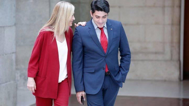 Cristina Cifuentes, en una de sus últimas reuniones con David Pérez en la Real Casa de Correos.