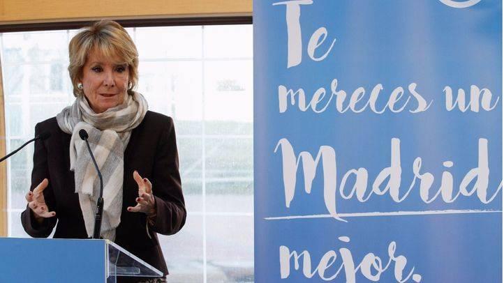 Esperanza Aguirre, portavoz del grupo municipal del Partido Popular en el Ayuntamiento de Madrid, ha ofrecido una rueda de prensa en el Ensanche de Vallecas.