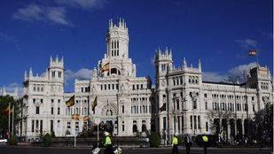 La plaza de Cibeles con el Ayuntamiento de Madrid