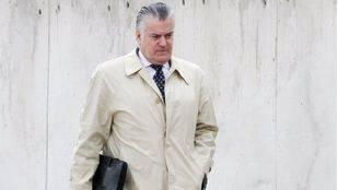 Luis Bárcenas entrando a la Audiencia Nacional.