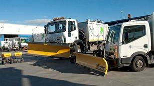 Un total de 40 máquinas quitanieves y 212 efectivos trabajan para acondicionar las carreteras