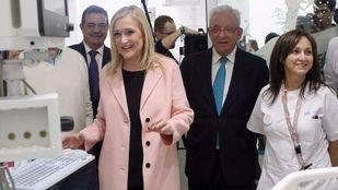 La presidenta de la Comunidad de Madrid, Cristina Cifuentes, y el consejero de sanidad, Jesús Sánchez Martos, ha inaugurado la Unidad de Cuidados Intensivos (UCI) del hospital universitario infantil Niño Jesús. (Archivo)