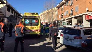 Emergencias 112 atendiendo a un arquitecto precipitado desde un segundo piso