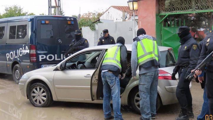 En libertad los sospechosos de tener un Kalasnikov: no son yihadistas, dice Pedraz