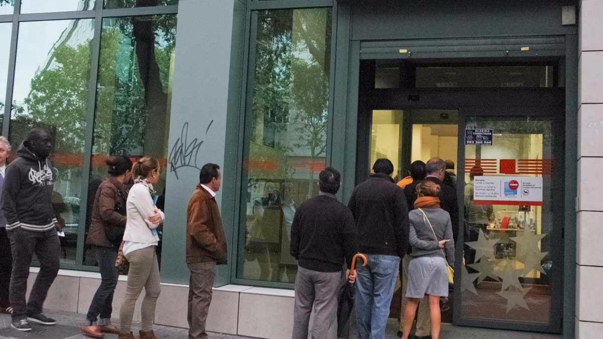 Madrid cerr 2016 con parados menos madridiario for Oficinas inem madrid