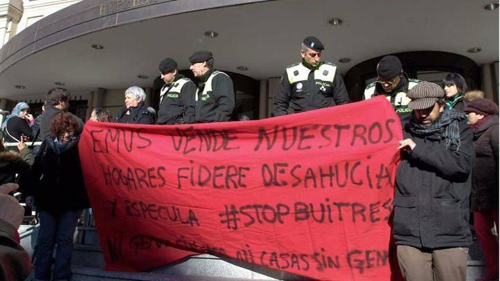 La presidenta de la asociación de afectados por la venta de viviendas de EMVS no será desahuciada
