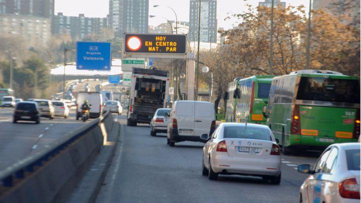 Madrid estudia limitar el tráfico según las emisiones si sube la contaminación