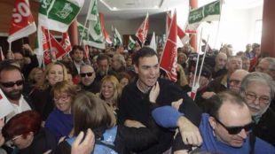 Pedro Sánchez se lanza a las primarias en Sevilla: