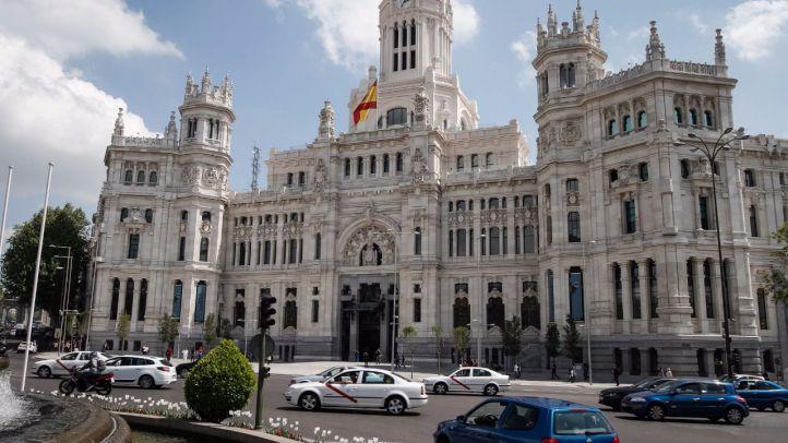 La Justicia suspende de forma cautelar la jornada de 35 horas en el Ayuntamiento de Madrid