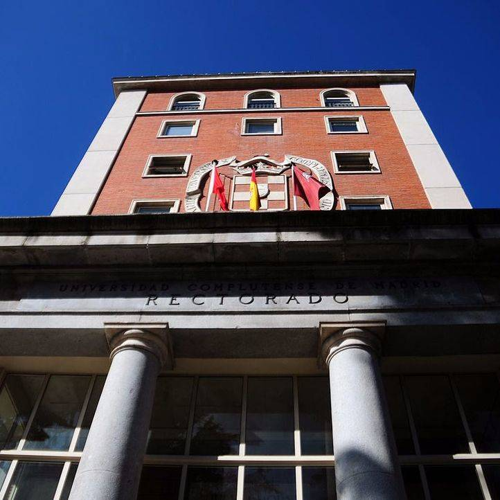 Los trabajadores de las universidades públicas reciben la última parte de la paga extra de 2012