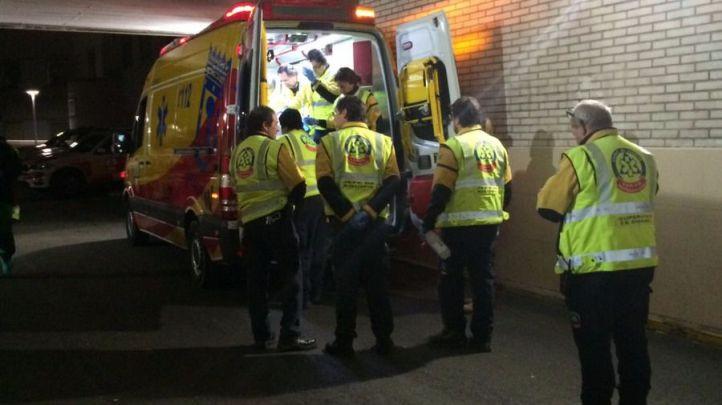 Hospitalizado un hombre tras ser apuñalado en Puente de Vallecas