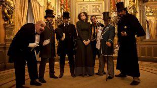 Viaje al pasado del Palacio de Linares a la luz de las velas