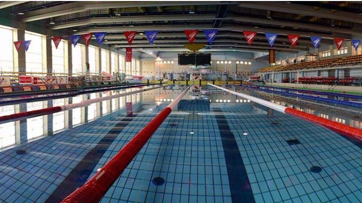 Reabre el centro de nataci n mundial 86 tras cinco meses for Piscina olimpica madrid