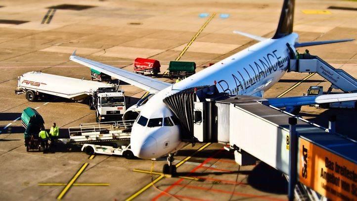 Avión en un aeropuerto