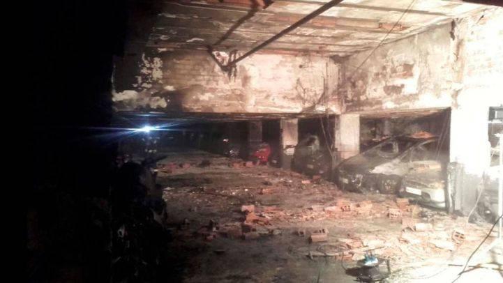 Estado en el que quedó el garaje incendiado en San Blas