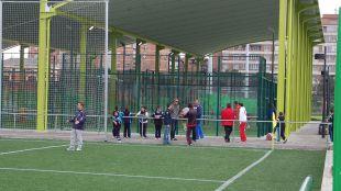 Los niños del Canal podrán seguir jugando a fútbol y pádel tras el 'sí' del Ayuntamiento