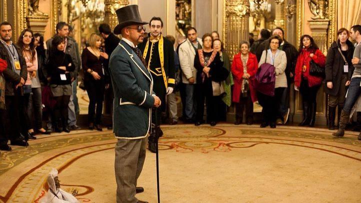 Visita nocturna teatralizada en el Palacio de Linares