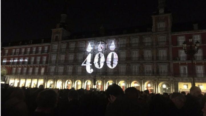 Dieciocho minutos de 'video mapping' dan comienzo a las celebraciones del IV Centenario de la Plaza Mayor