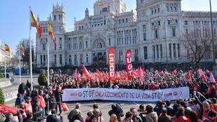 Los sindicatos exigen subidas salariales a los empresarios