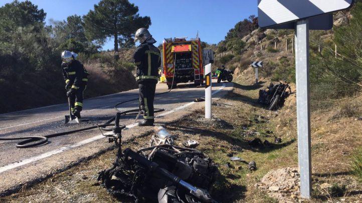 Dos heridos y dos motos calcinadas en un accidente en Robledo